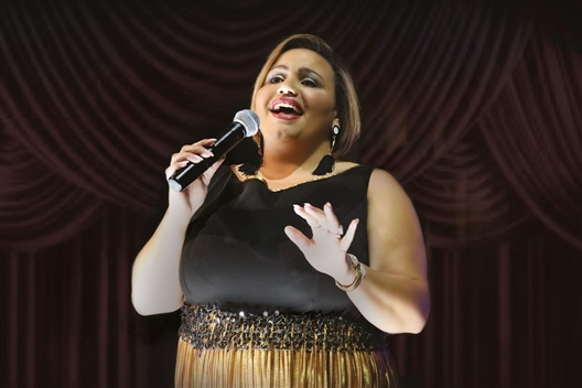 Tracey Carter live at the Rockwell Dinner Theatre