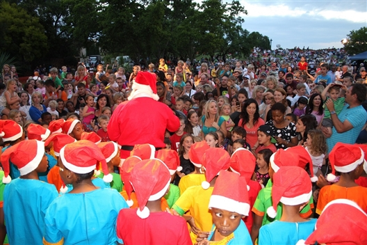 LONEHILL CAROLS IN THE PARK