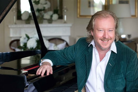 Iconic piano recital at Bouchard Finlayson in aid of the Hermanus Cancer Fund