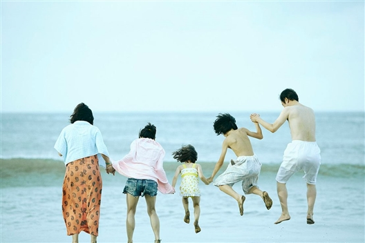 SHOPLIFTERS (16SN, English Subtitles)